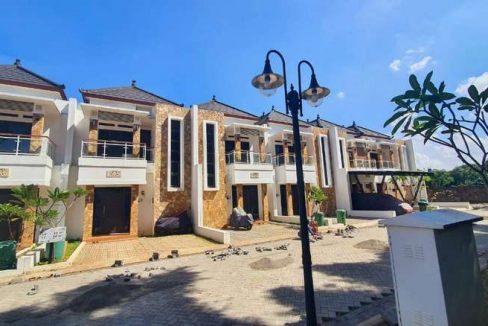 FREE Private POOL! Dijual Rumah Baru dekat LRT Cibubur